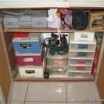 舊的置物櫃(一堆工具)開門方式容易被擋住